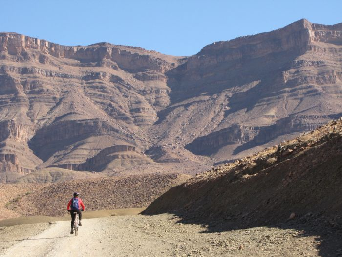 Oasis del Valle del Draa en Bicicleta de Montaña. Foto Isi Juvé